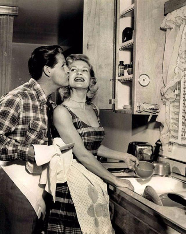 Should My Working Husband Have to Help with the Housework?